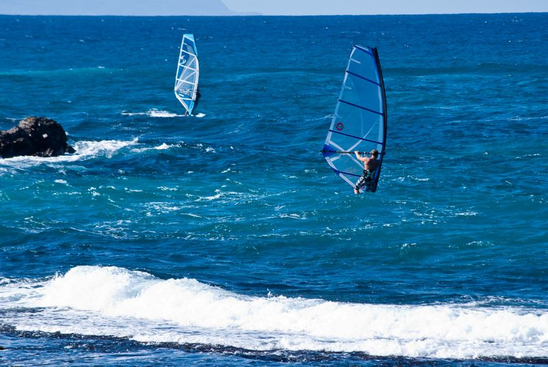 Hawaii Wind Surfing (c) Claudia Ward