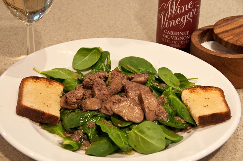 Fresh Spinach & Chicken LIver Salad_20100225_0441