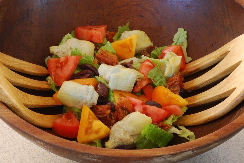 Tomato & Artichoke Heart Salad