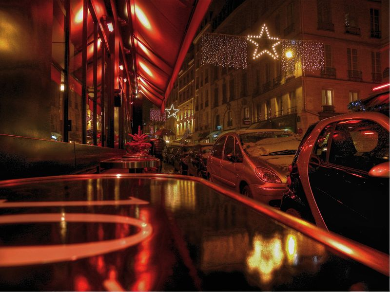 rue de Seine at Christmas ©2010 Peter Tooker