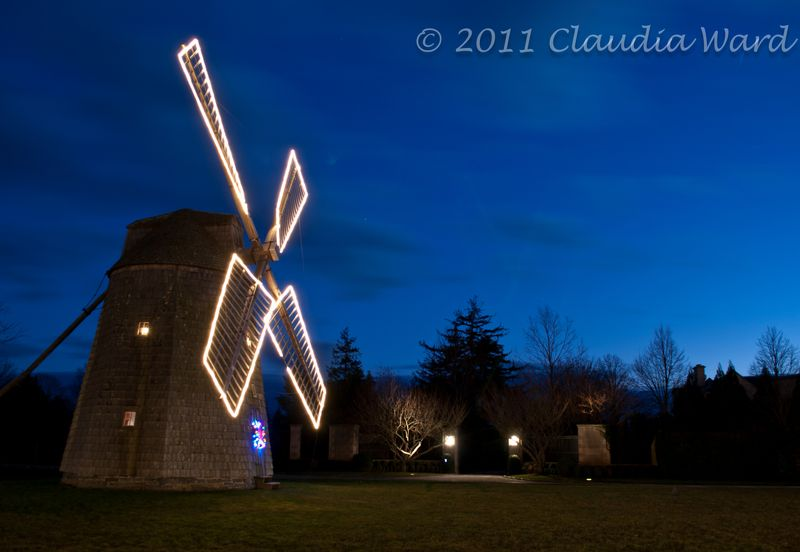Blue_Hour_Water_Mill_20111130_171021