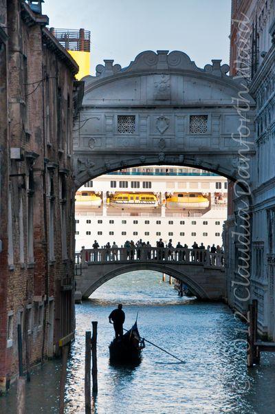 Venice - The Bridge of Sighs © 2012 Claudia Danforth Ward