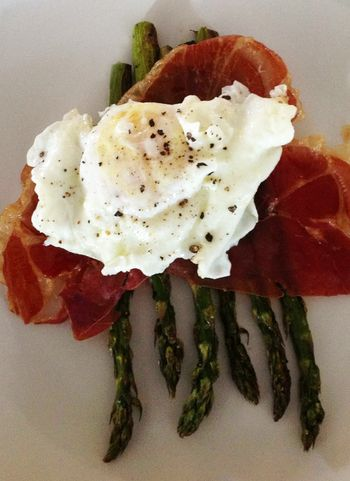 Roasted Asparagus & Prosciutto with Fried Egg & Hollandaise