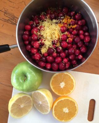 Making Homemade Cranberry Sauce © Claudia Ward