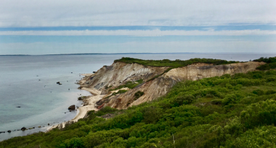 Clay Cliffs in Aquinas Martha's Vineyard © 2018 Claudia Ward